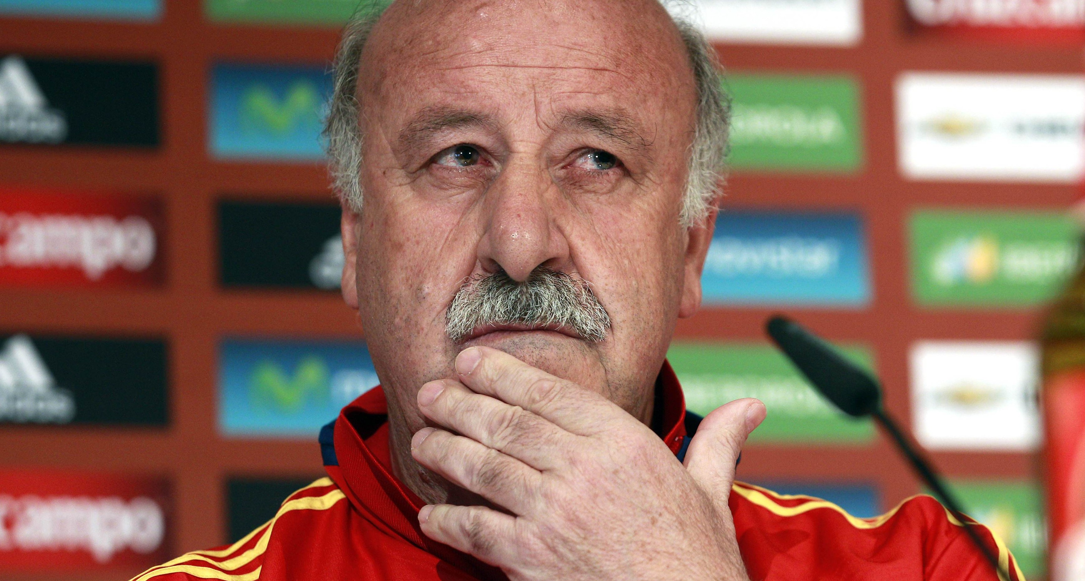 Spain's national soccer team coach Del Bosque attends a news conference in the western Austrian town of Schruns