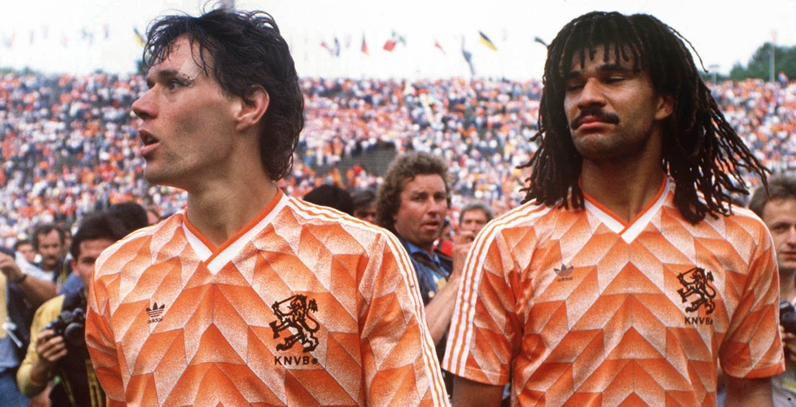 56230_Basten_Gullit_1988_Final_Cs_1