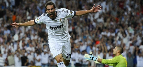 Gonzalo+Higuain+Real+Madrid+v+Barcelona+Supercopa+Ac5h50mJ543l