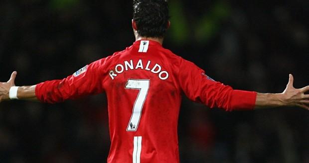 05_cristiano_ronaldo_manchester_united_shirt-name
